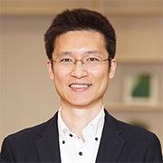 Face photo: Hiroshi Kawaguchi