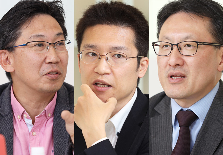 Left: Yuji Umemura, CISO, Yahoo Japan Corporation, Center: Hiroshi Kawaguchi, Representative Director, Kawaguchi Sekkei, Inc., Right: Noboru Nakatani, EVP, Corporate Officer, President of Public Affairs Group, Yahoo Japan Corporation; EVP, Corporate Officer, GCISO, Z Holdings Corporation